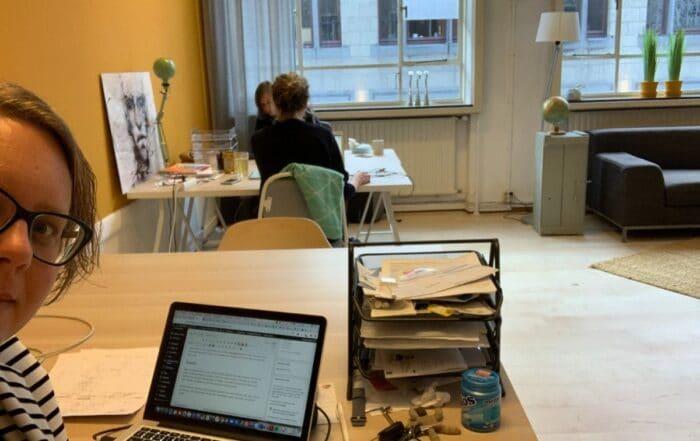 Aan het werk op onze tijdelijke kantoorruimte in Deventer.